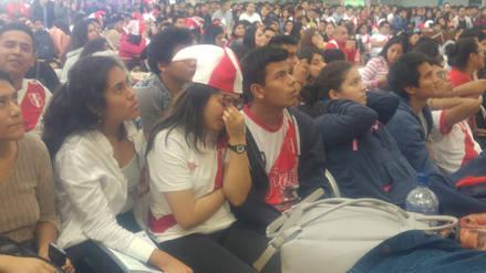 Hinchas trujillanos tristes por la eliminación del Mundial Rusia 2018