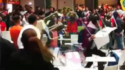 Mall Plaza Bellavista se disculpa por pelea entre grupo de aficionados tras el partido de Perú