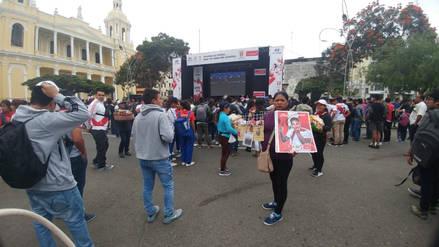 Perú vs.Francia: Hinchas disfrutan del partido en pantalla gigante