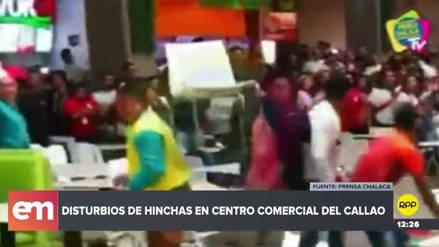 Hinchas se pelearon y arrojaron sillas en un centro comercial del Callao