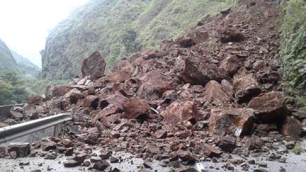 Cuatro muertos dejó derrumbe en carretera de Colombia