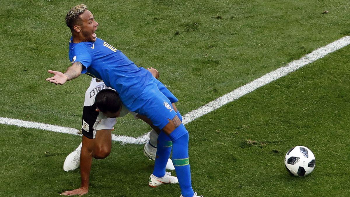 El VAR anuló un penal a Neymar que el árbitro cobró en el Brasil vs. Costa Rica