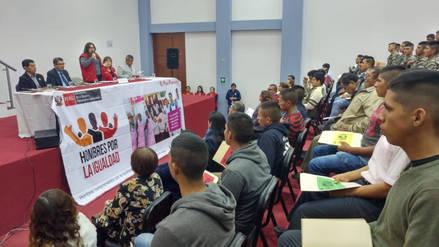 Ministra inaugura programa ´Entre patas´ para prevenir violencia contra la mujer