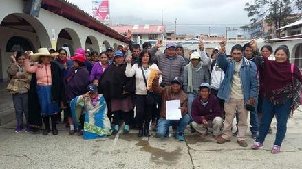 Padres de familia exigen docentes para colegio de Cochorco