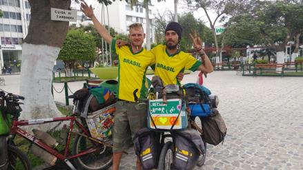 Brasileños recorren en bicicleta países de Sudamérica