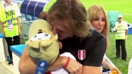 Ricardo Gareca y el emotivo abrazo con su nieto en Rusia 2018