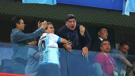 Maradona fue trasladado a un hospital tras el triunfo de Argentina