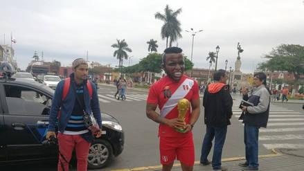 Venezolano se viste de Jefferson Farfán para los hinchas trujillanos
