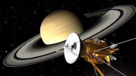 Científicos descubren que Encélado, la luna de Saturno, reúne los requisitos básicos para la vida