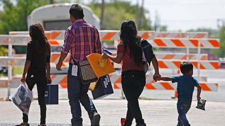 Tribunal de EE.UU. ordena que se reúna a las familias de inmigrantes que fueron separadas