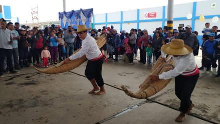Pescadores de Santa Rosa celebran su día a ritmo de danzas costumbristas