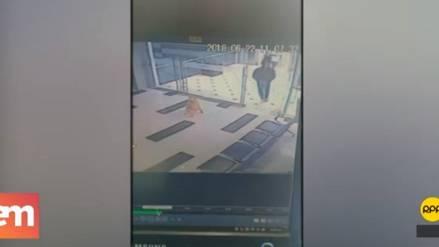 Delincuentes que asaltaron joyería en el Jockey Plaza se tomaron fotos en el local antes del robo