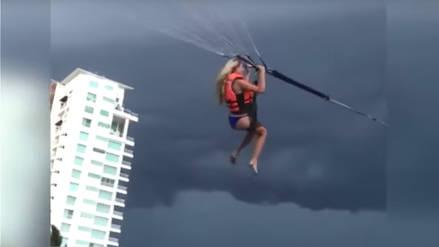 Accidente de paravelismo dejó a una mujer a la deriva en el aire por 45 minutos