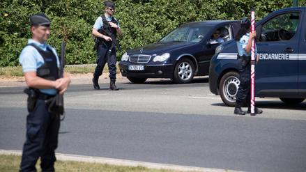 Policías hallaron el segundo auto utilizado por el preso fugado en helicóptero en Francia