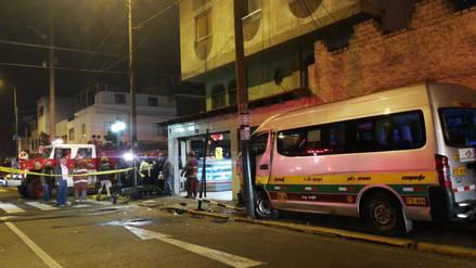 Combi chocó contra paradero y dejó ocho heridos en Magdalena