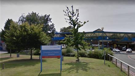 Trabajadora de hospital fue detenida por el asesinato de ocho bebés en el Reino Unido