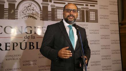 Ministro Daniel Alfaro responderá ante Comisión de Educación por cuestionados textos escolares