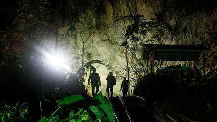 Los niños atrapados en una cueva de Tailandia iniciaron clases de buceo