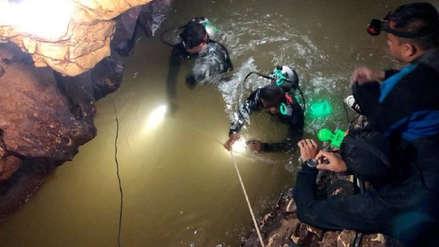 Tailandia: Un rescatista muere tras entregar ayuda a niños atrapados en cueva
