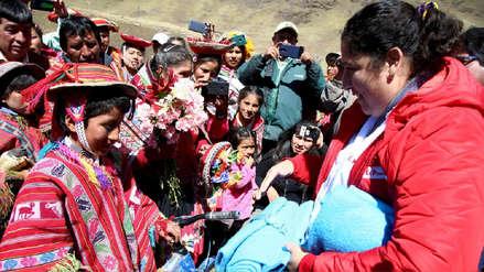 Ministra del Ambiente visitó a niño cusqueño que pidió ayuda por heladas