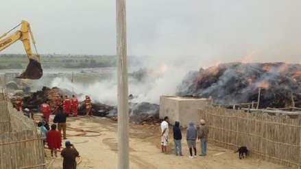 Video | Incendio consumió pacas de arroz en Camaná