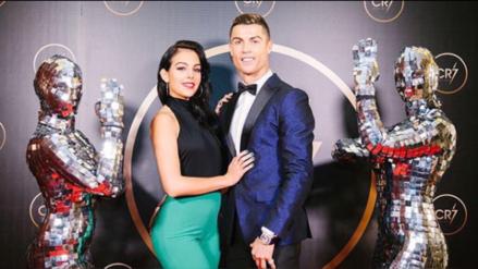 La romántica foto de Cristiano Ronaldo con su novia en sus vacaciones