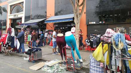 Persiste comercio informal en avenida España de Trujillo