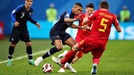 Pisada y taco: el increíble pase de Mbappé para asistir a Olivier Giroud