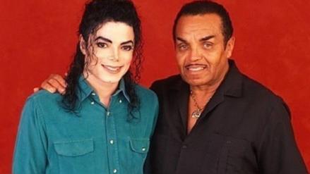 Acusan a padre de Michael Jackson de castrarlo químicamente para conservar su voz