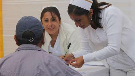 Más de la mitad peruanos que se enfermó sintió que gastó más en curarse