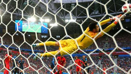 Hugo Lloris evitó el primer gol de Bélgica ante Francia con este atajadón