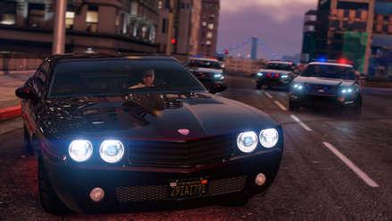 Viral   Mira cómo una oficial de policía trata de jugar GTA V sin infringir la ley