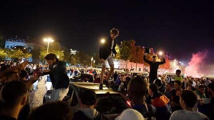 Unos 30 heridos en Niza por una estampida provocada por petardos durante el Francia-Bélgica