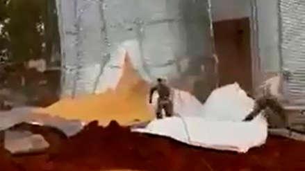 Video | Trabajadores se salvaron de ser aplastados por toneladas de soya en Paraguay