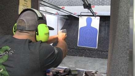 Salió a la venta la pistola que se camufla bajo la apariencia de un smartphone
