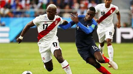Francia cambió la combinación de colores de su uniforme durante sus partidos en Rusia