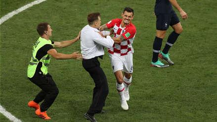La furia de los jugadores de Croacia con hinchas que ingresaron al campo