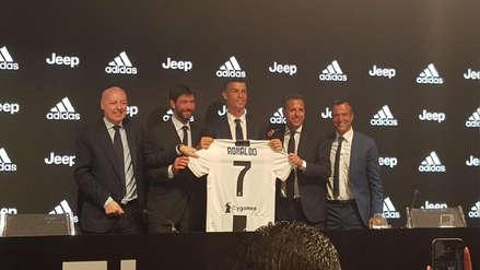 Cristiano Ronaldo fue presentado oficialmente en la Juventus de Italia