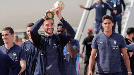 La Selección de Francia llegó a París tras conquistar el título en Rusia 2018