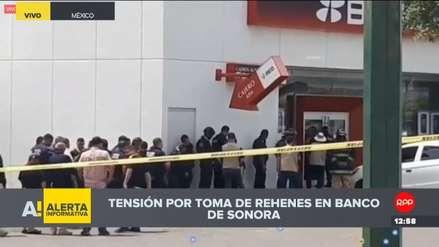 Tensión por toma de rehenes en un banco de México