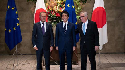 Japón y la Unión Europea firman en Tokio un acuerdo de libre comercio