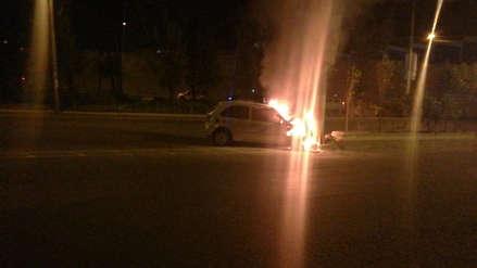Video   Taxista resultó con graves quemaduras al incendiarse su auto