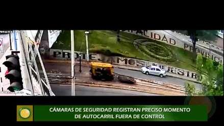 Tren fuera de control impactó con dos vehículos en Cusco