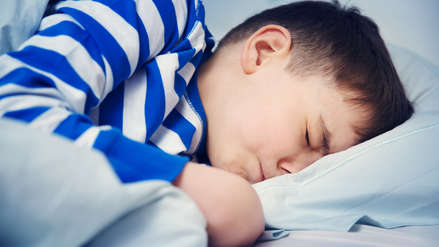 Un niño que no duerme bien puede sufrir de obesidad y diabetes