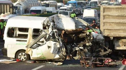 Al menos 13 muertos deja accidente de tránsito en México