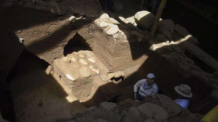 Descubren monumentos olmecas de 2,500 años de antigüedad en Guatemala