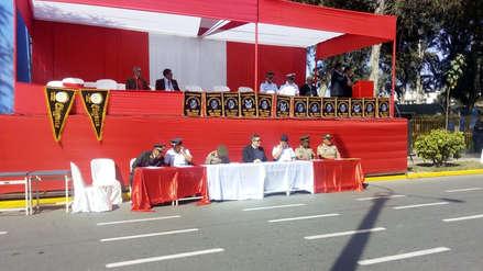 Ausencia de autoridades en desfile escolar por Fiestas Patrias