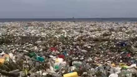 La impresionante marea de basura que cubrió las costas de República Dominicana
