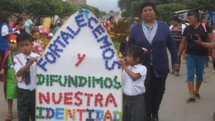 Niños desfilan con trajes reciclables en Batangrande por Fiestas Patrias