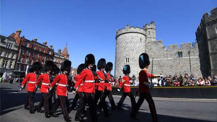Una turista fue empujada por un Guardia Real británico en Windsor